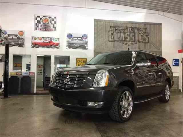 2011 Cadillac Escalade | 996742