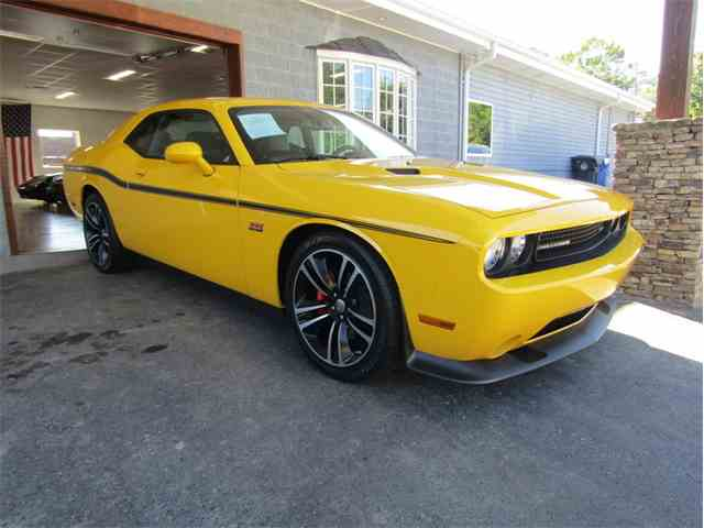2012 Dodge Challenger SRT8 Yellow Jacket | 997054