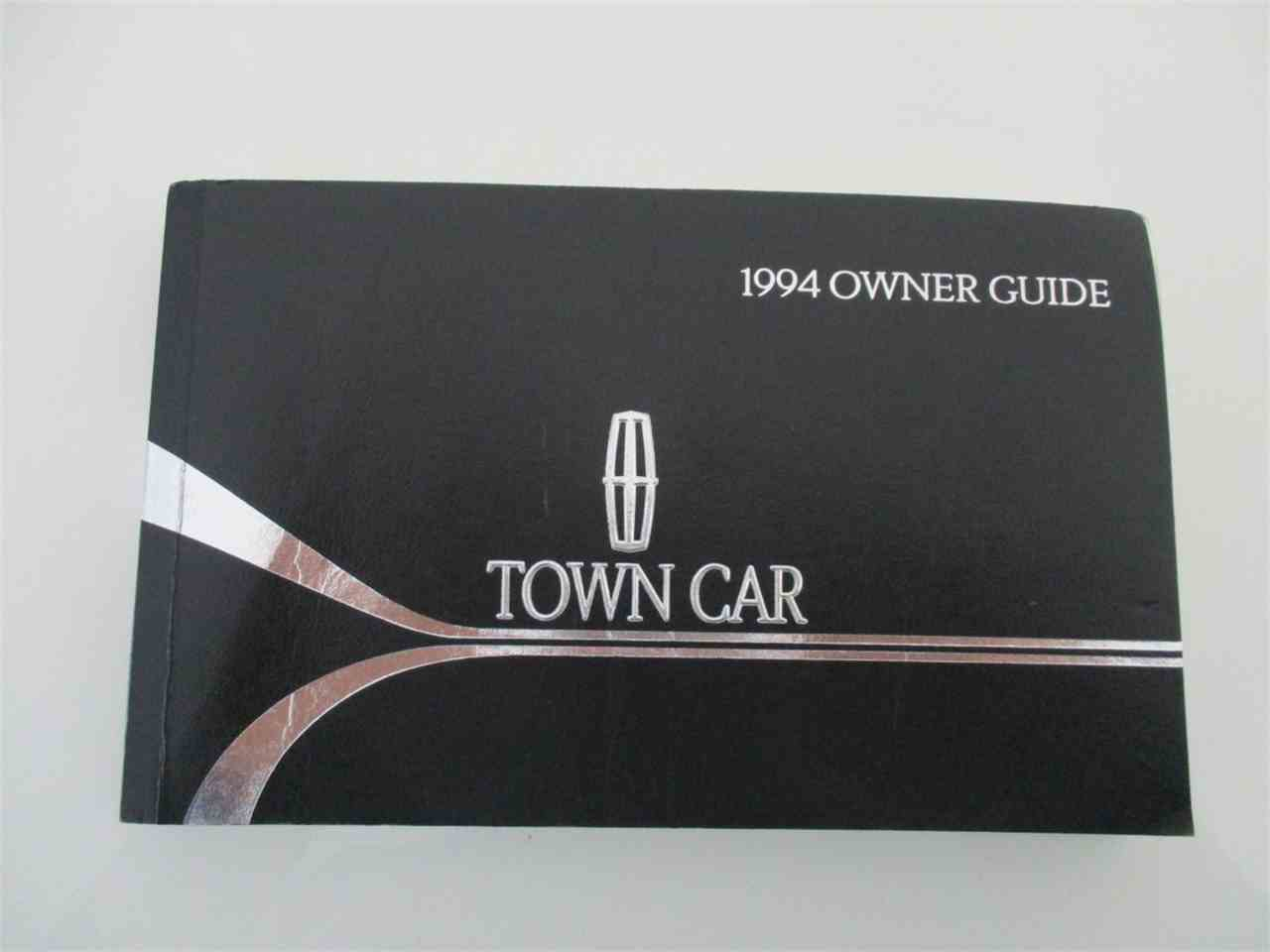 Large Picture of '94 Executive Series Town Car - LDPU