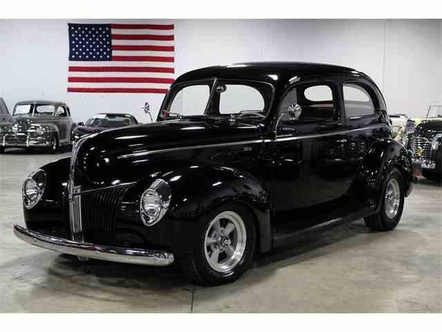 1940 Ford Sedan | 990802