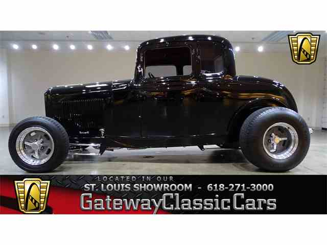 1932 Ford 5-Window Coupe | 998393