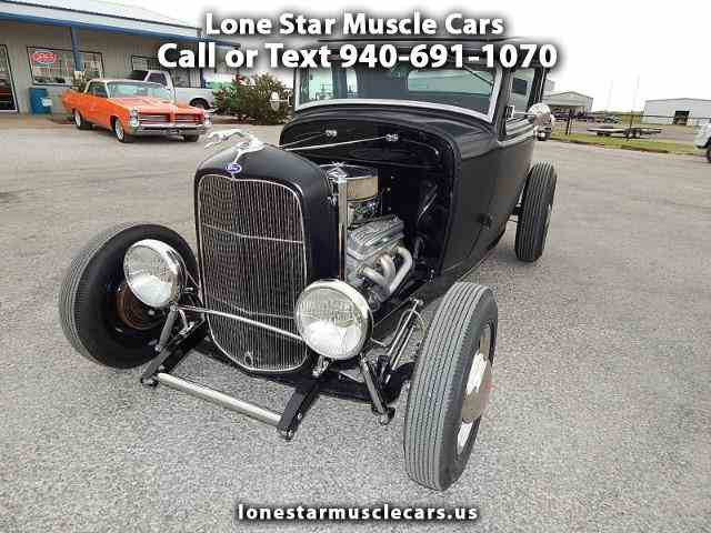1932 Ford 2-Dr Coupe | 990843