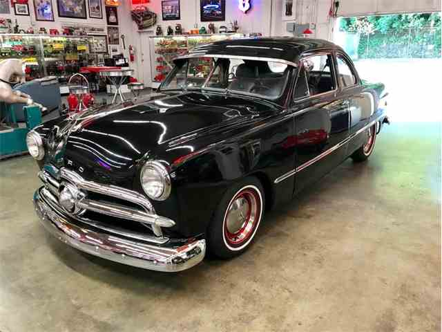 1949 Ford Coupe | 998586
