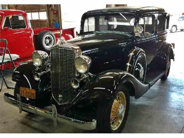 1933 Chevrolet Sedan | 999096