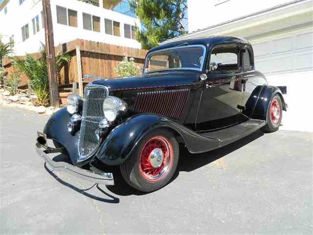 1933 Ford 5-Window Coupe | 999206