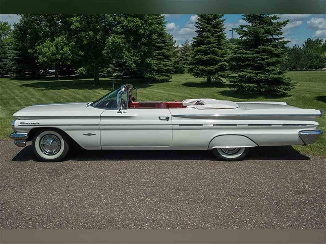 Large Picture of Classic '60 Pontiac Bonneville - LF7P