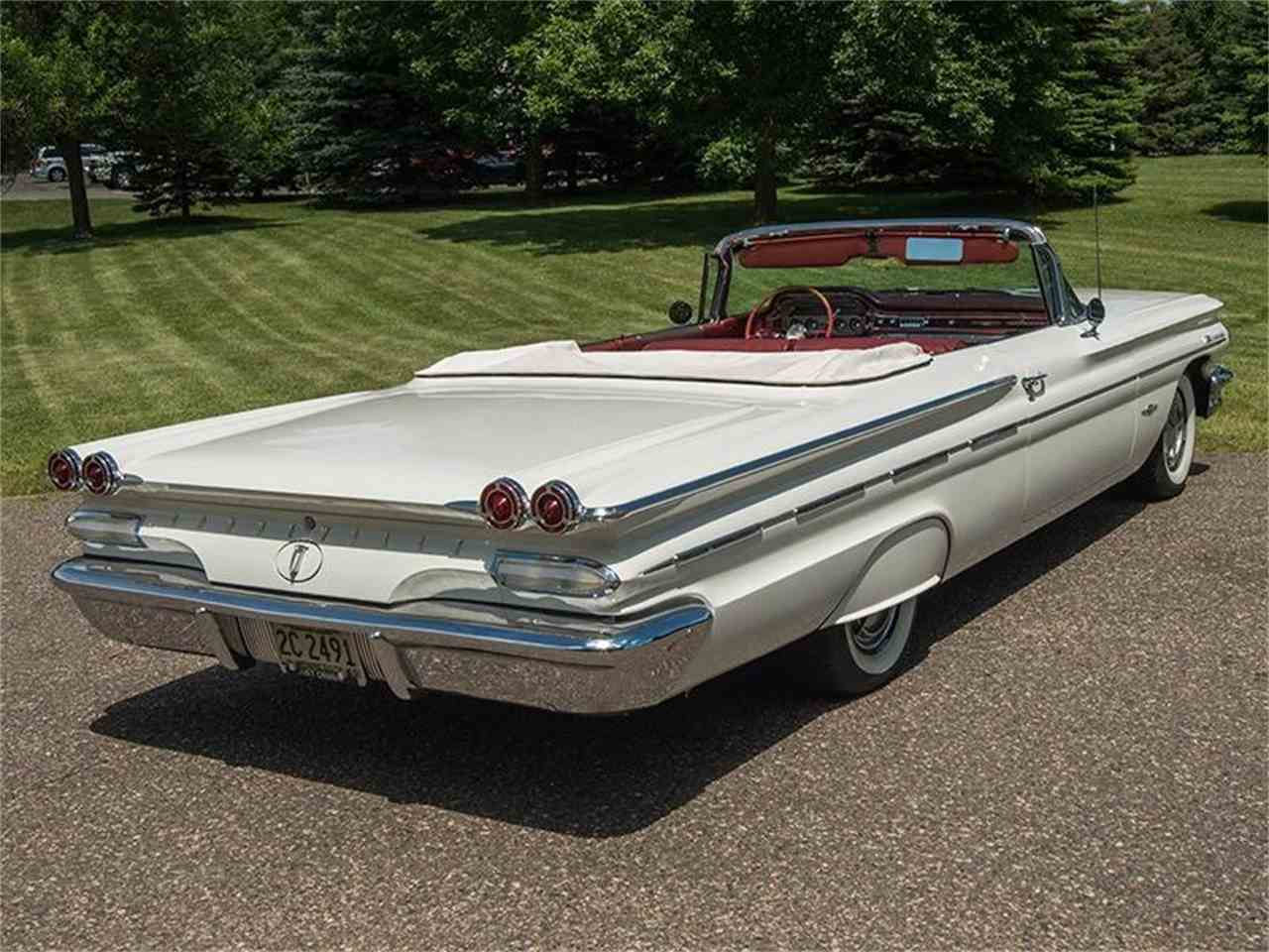 Large Picture of '60 Pontiac Bonneville located in Minnesota Offered by Ellingson Motorcars - LF7P