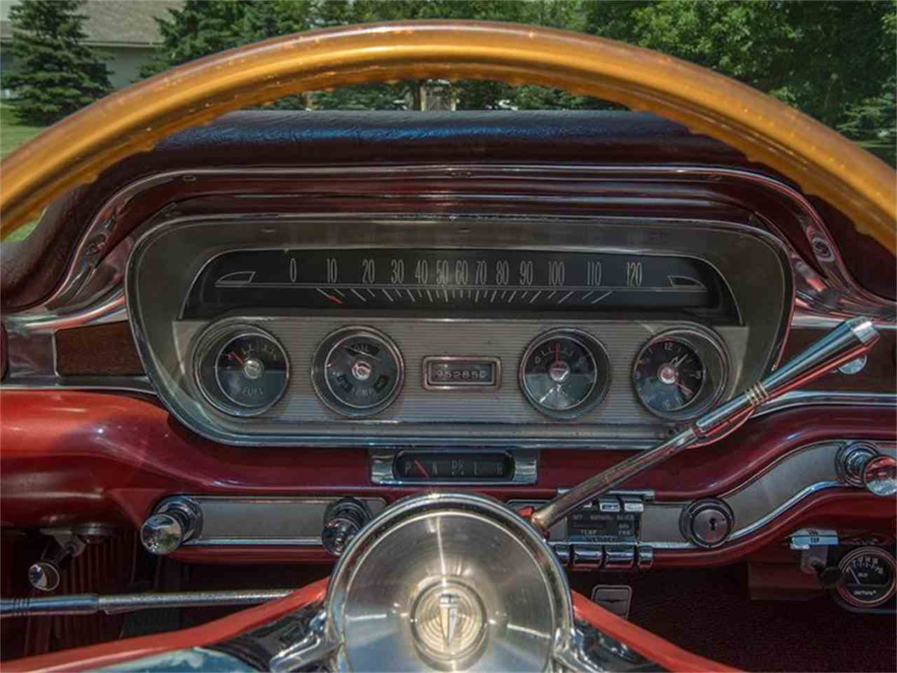Large Picture of '60 Pontiac Bonneville Offered by Ellingson Motorcars - LF7P