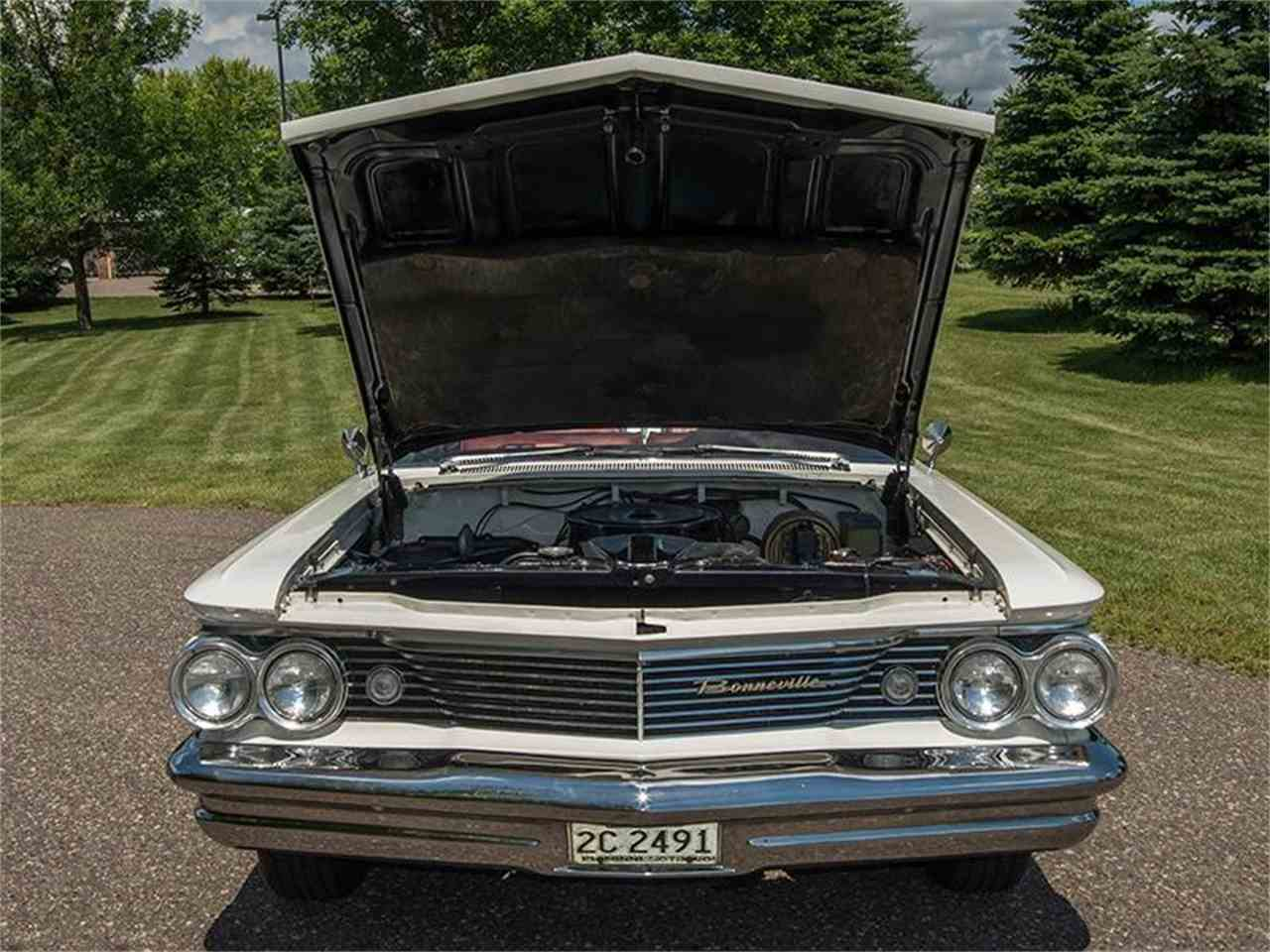 Large Picture of Classic 1960 Pontiac Bonneville located in Minnesota - $54,950.00 - LF7P