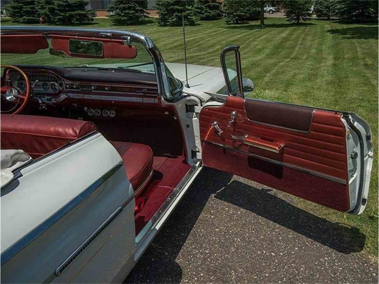 Large Picture of 1960 Pontiac Bonneville located in Rogers Minnesota Offered by Ellingson Motorcars - LF7P