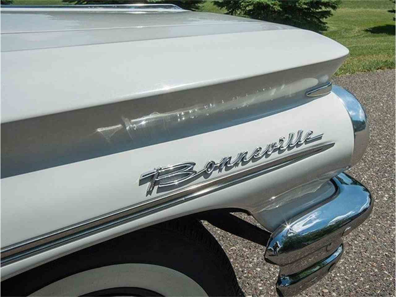Large Picture of Classic '60 Pontiac Bonneville located in Minnesota Offered by Ellingson Motorcars - LF7P