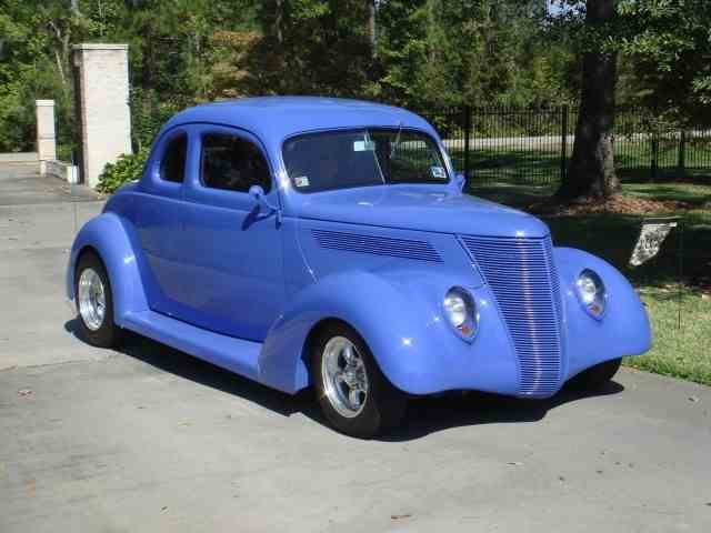 1937 Ford Coupe | 999698